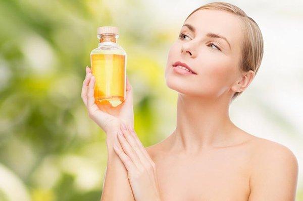 Касторовое масло: 21 причина использовать его почаще